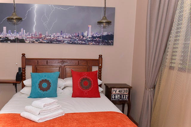 Bwelani Guest House Hillbrow Room detail